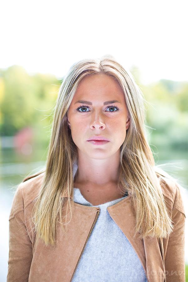 Porträttfoton på Anna Linné