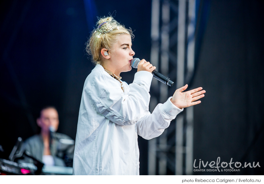 Amanda Fondell på Götaplatsen, RIX FM-festival